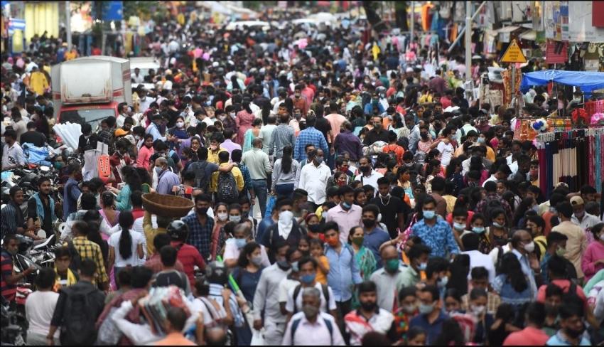 கொரோனா வைரசுக்கு மத்தியில் திருவிழா கொண்டாட தயாராகும் மும்பை!